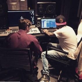 Martin Garrix and Avicii Feat John Legend - Waiting For Love [7.6MB] Download  MP3 M4A AAC