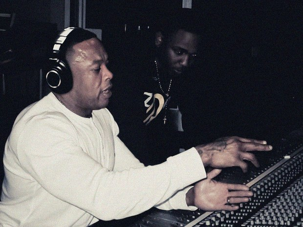 Dr. Dre Feat Kendrick Lamar and Jeremih – 2Nite 7.9MB Download  AAC M4A MP3