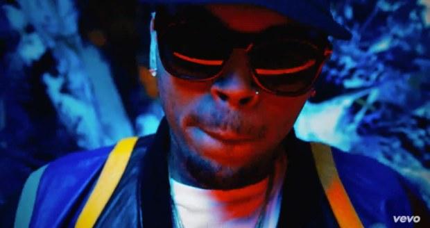 Chris Brown – Bitches N Marijuana 7.4MB Download  MP3 M4A AAC